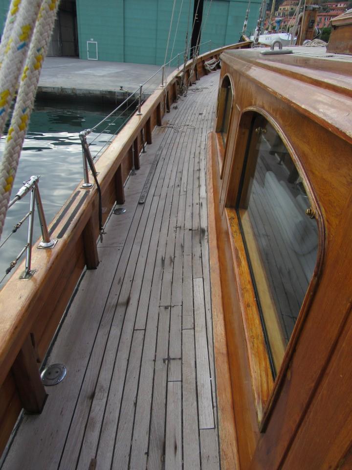 Ponte in teak - Arrivo Imbarcazione