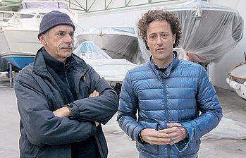 Ugo Vanelo con il maestro d'ascia Marco Arfanotti.